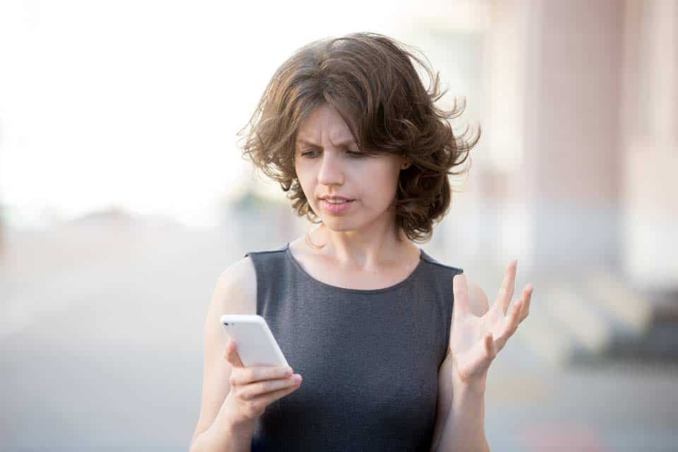 "How to Avoid Throwing a ""Texting Tantrum"" 